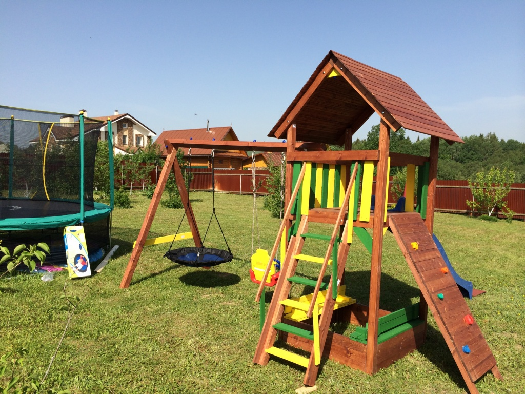 Детские площадки и игровые комплексы