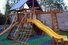 10 плюсов детской площадки из дерева!